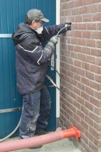 Verwijderen oude verzakte isolatie en tevens opnieuw isoleren | Neopixels® ITolhuis I Nijmegen